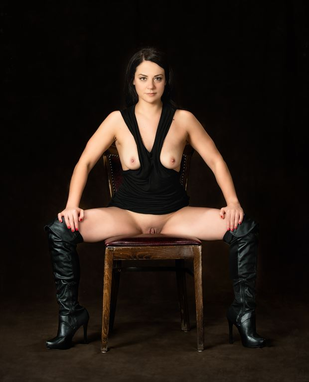 In Charge Artistic Nude Photo by Model JessicaKlaus