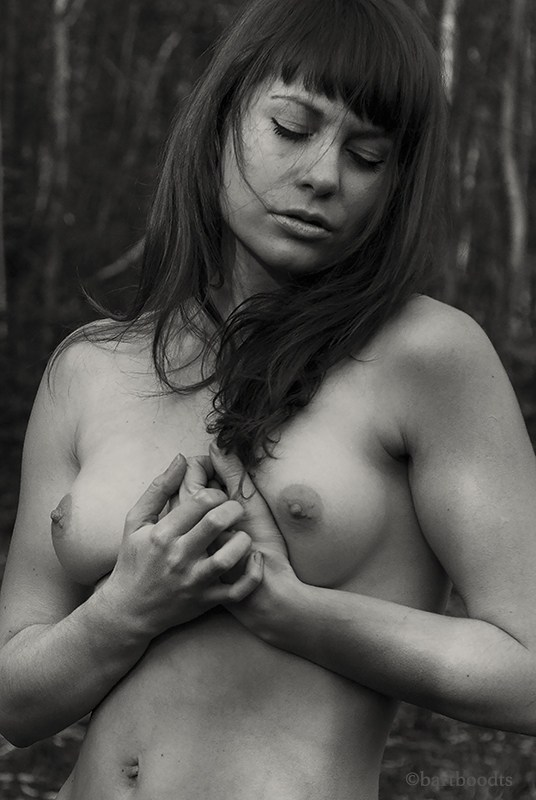 In nature, fragile and intense Artistic Nude Artwork by Photographer Bart Boodts