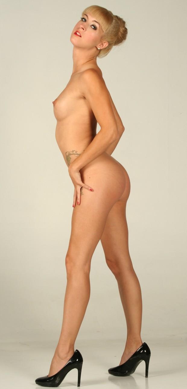 Ivy Blonde Glamour Photo by Photographer MoorePhotoGraphix