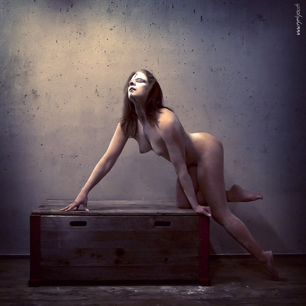 Jasmin on the box Artistic Nude Photo by Photographer eye4you.ch