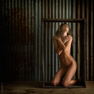 Jeannine in the box Artistic Nude Photo by Photographer eye4you.ch