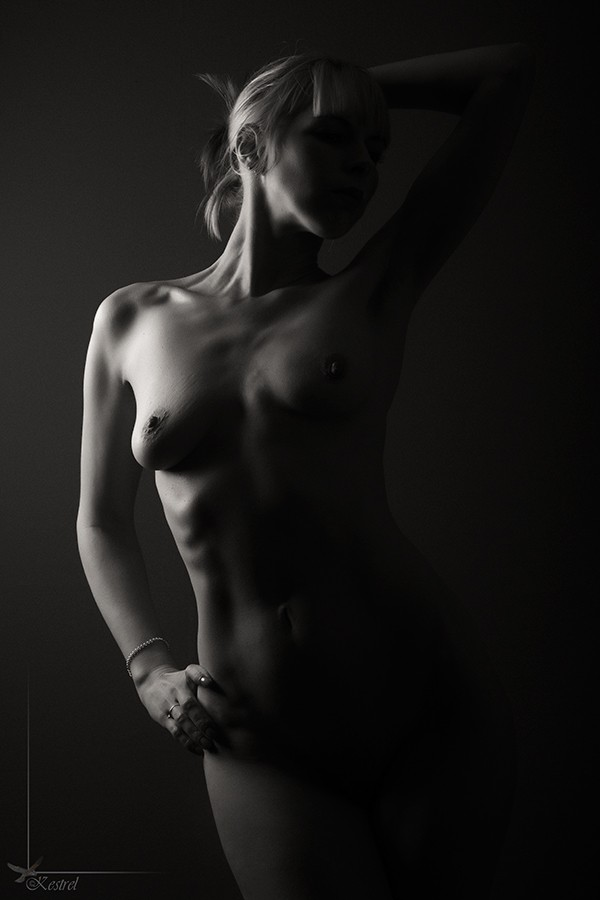 Judy Artistic Nude Photo by Photographer Kestrel