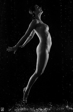 Jump Artistic Nude Photo by Photographer Thom Peters Photog
