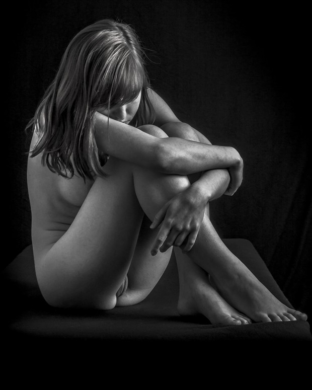 Just Sitting 2 Artistic Nude Photo by Photographer rick jolson