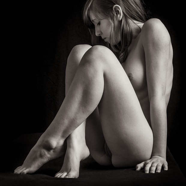 Just Sitting Around Artistic Nude Photo by Photographer rick jolson