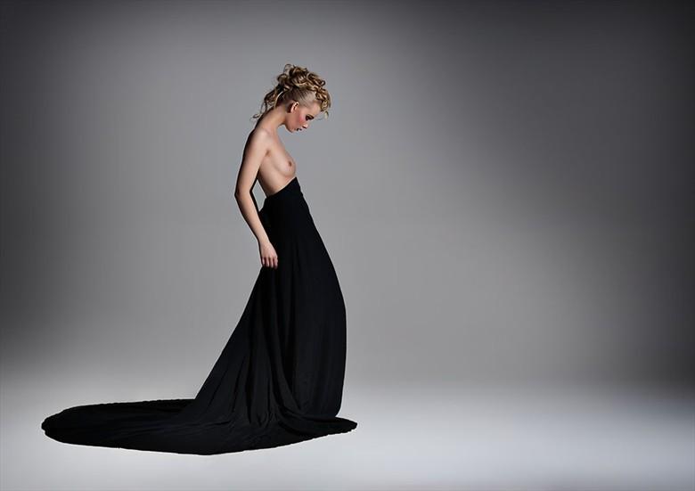 Kamila Artistic Nude Photo by Photographer Ciaran