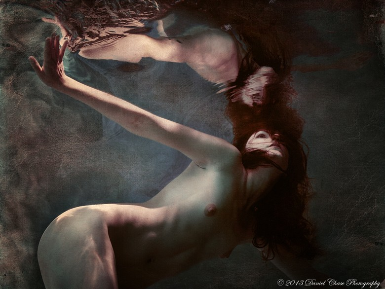 Kammeron Underwater Artistic Nude Photo by Photographer DCPhoto