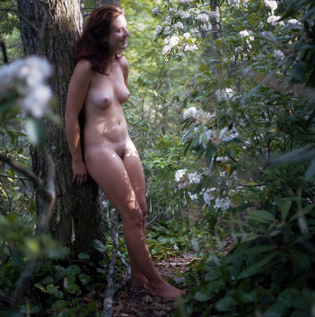 Katja Leaning Artistic Nude Photo by Photographer mikaelr