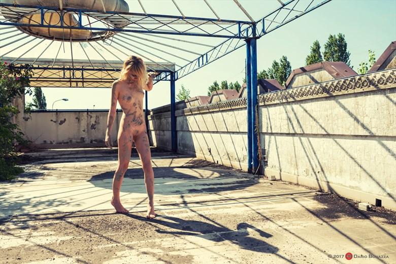 Kelevra T2 Artistic Nude Photo by Photographer Dario Bonazza