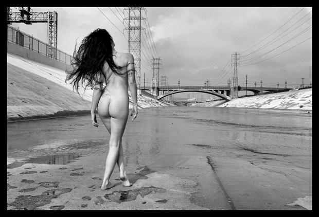 Kelsey in LA river Artistic Nude Photo by Photographer pblieden