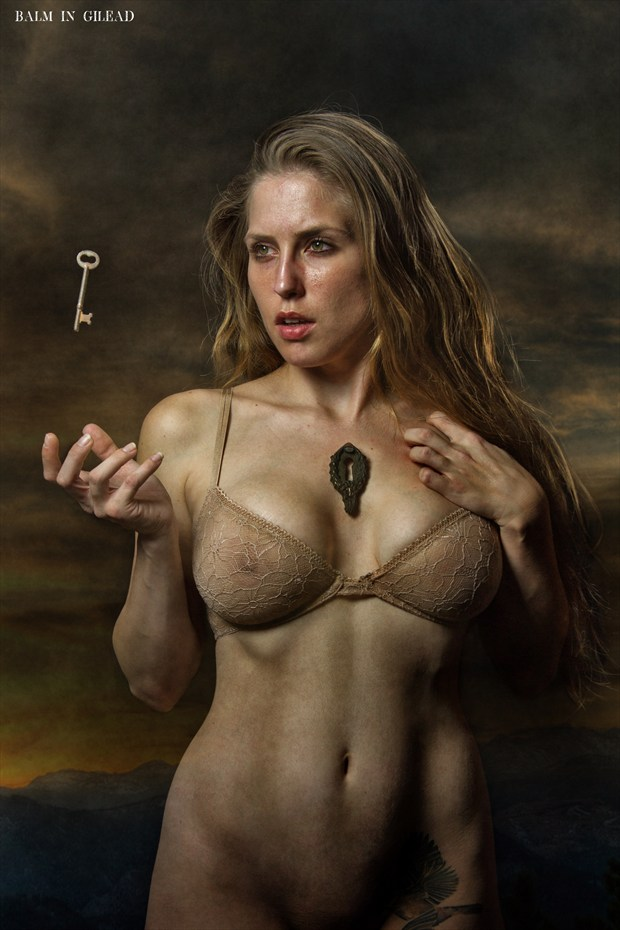 Key to my heart Artistic Nude Photo by Photographer balm in Gilead