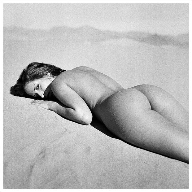Kirsten, Mesquite Flats Dunes II Artistic Nude Photo by Photographer Marco Pallotti