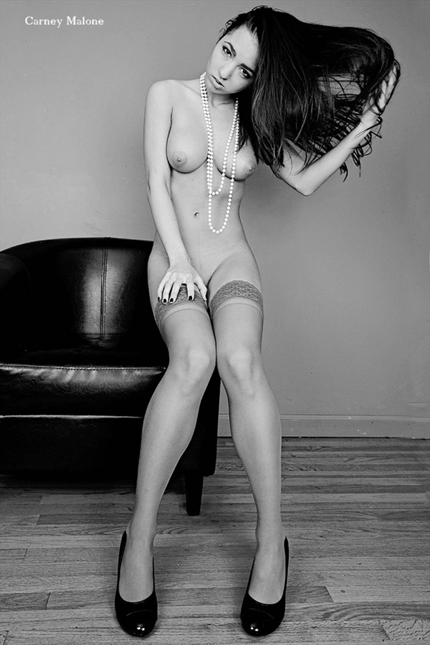 Kitti Artistic Nude Photo by Photographer Carney Malone