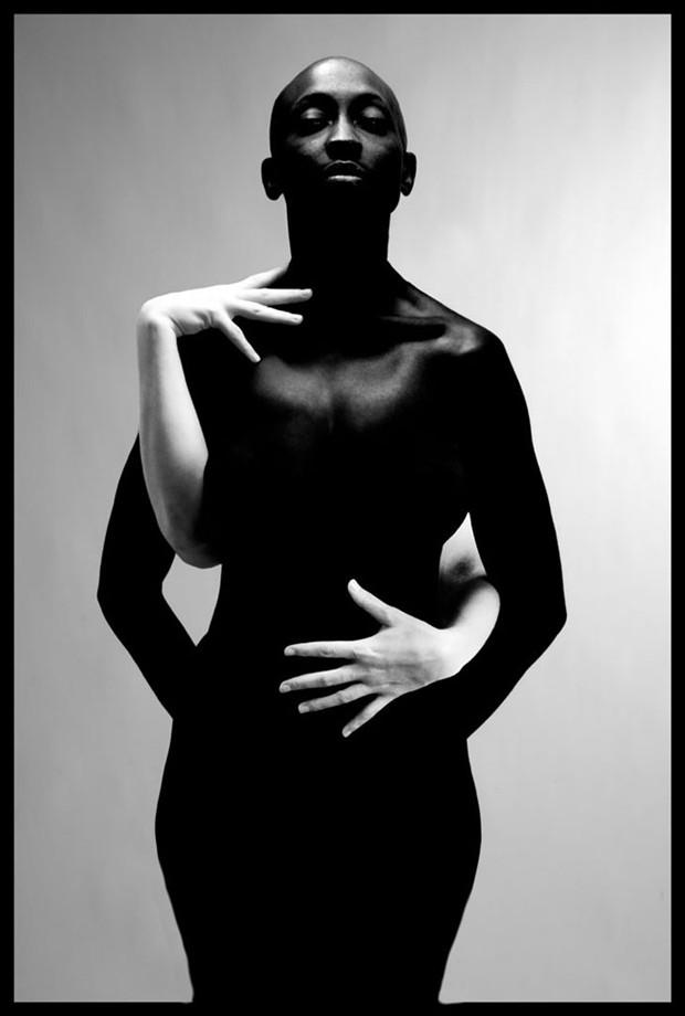 Kwentonza and Rosie, Studio Artistic Nude Photo by Photographer R. Michael Walker