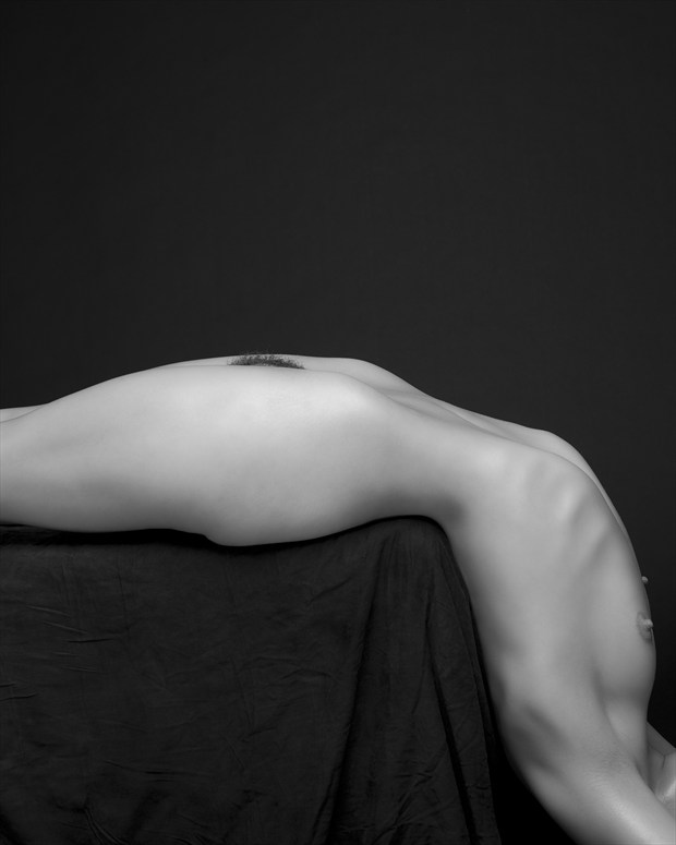 L Shape Artistic Nude Photo by Photographer Sylvie B
