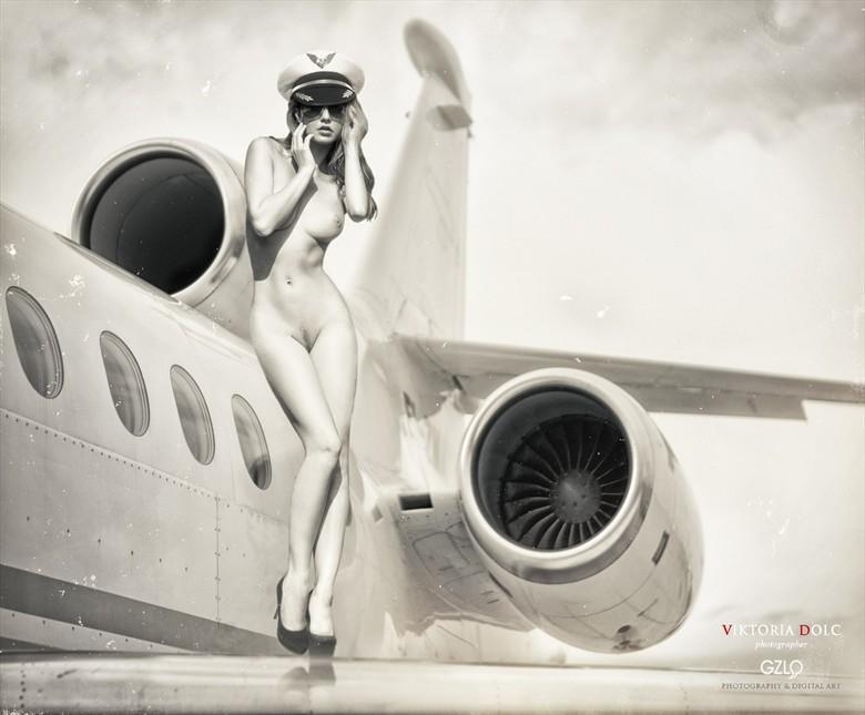 LOVELINE Artistic Nude Photo by Artist GonZaLo Villar