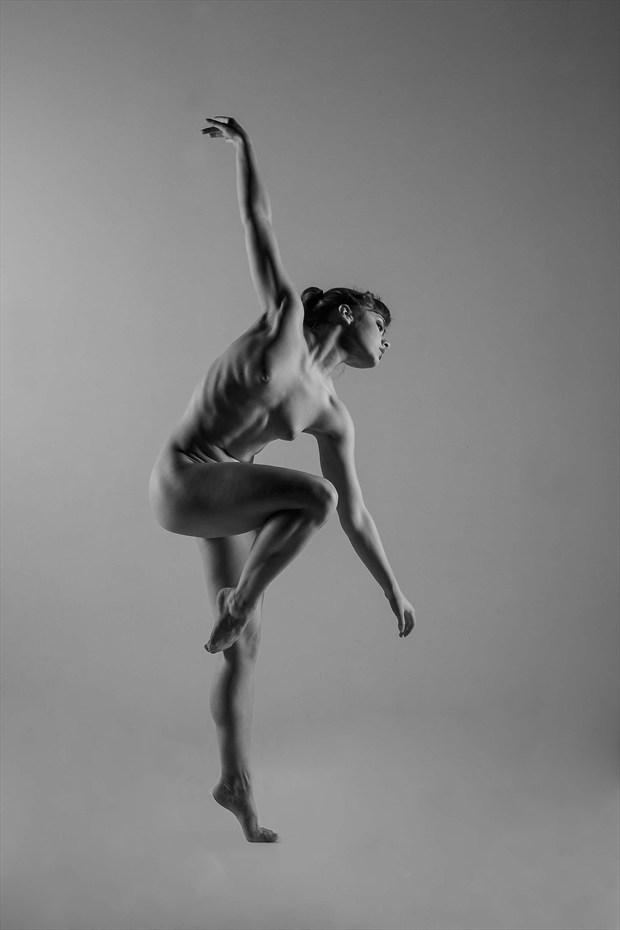 La Danseuse Nu Artistic Nude Photo by Photographer Richard Maxim