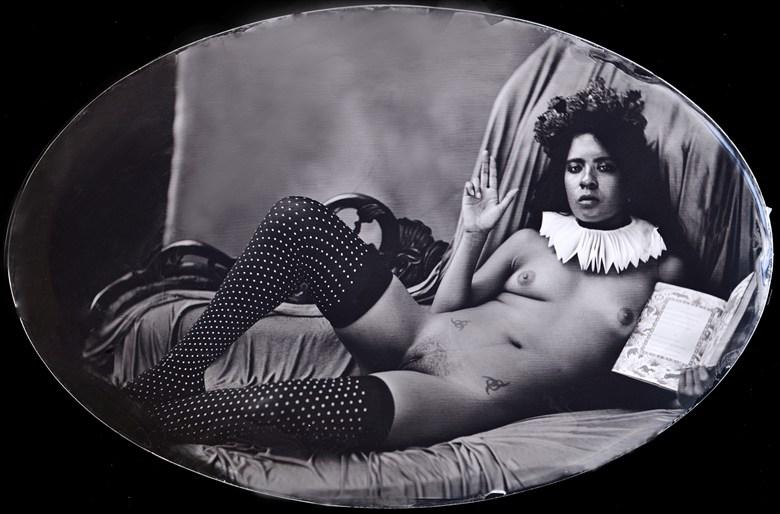 La Santa en su camera, 2014 Erotic Photo by Photographer Nalla Senrab