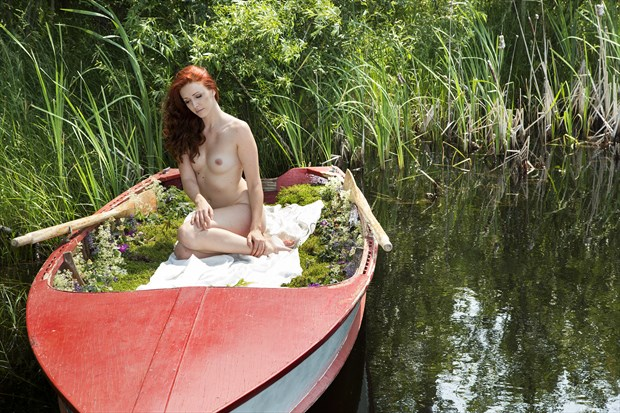 Lady of the Loch Artistic Nude Photo by Photographer milchuk