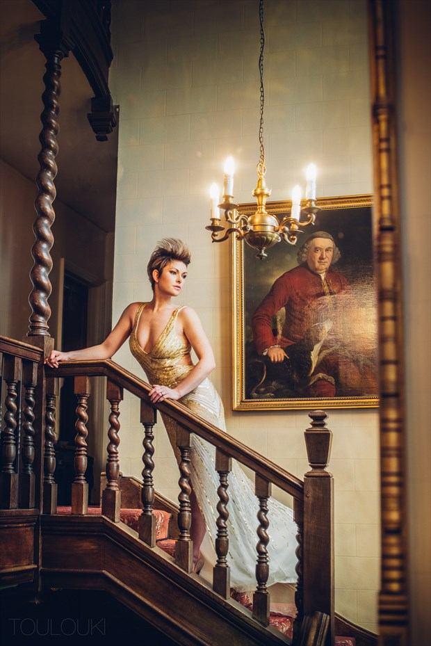Lady of the manor Sensual Photo by Photographer TOULOUKI