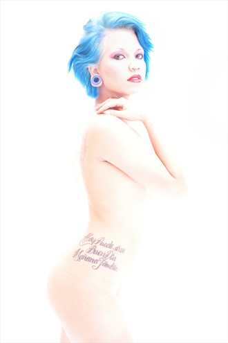Le Salon Blanche Artistic Nude Photo by Photographer Rafael Mesa