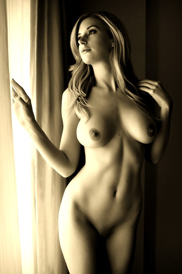 Leanne Artistic Nude Photo by Photographer JohnnyK