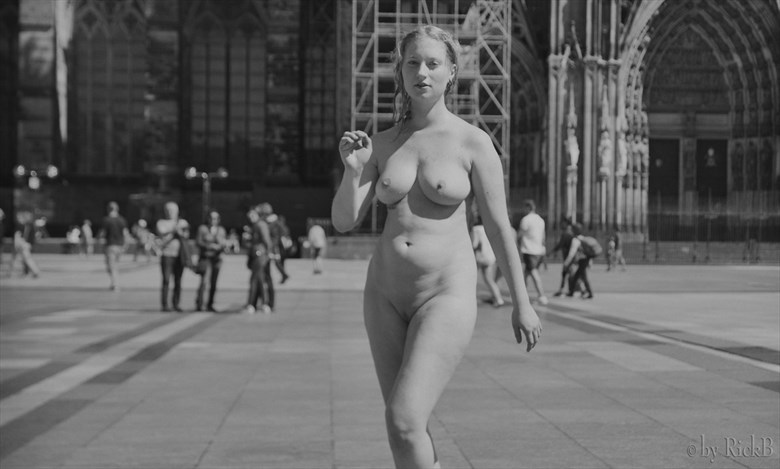 Let's go! Artistic Nude Photo by Photographer RickB