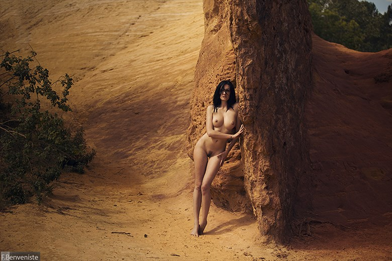 Life on the edge Artistic Nude Photo by Photographer Francois Benveniste