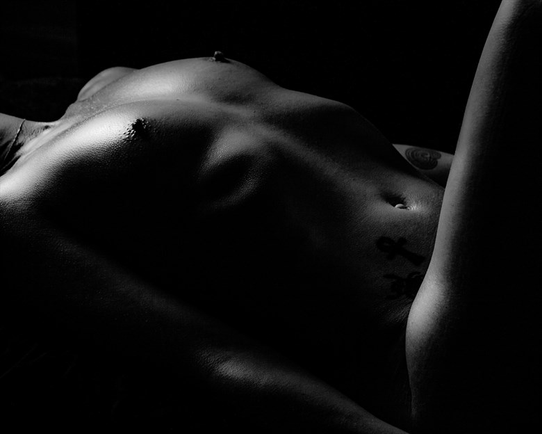 Light and shade Artistic Nude Photo by Photographer Wilder Life