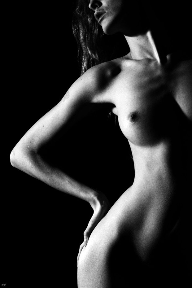 Light in the shadows Artistic Nude Photo by Photographer Ellie Kellam
