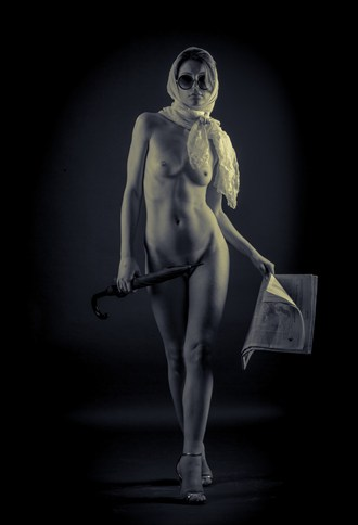 Lili Artistic Nude Photo by Photographer MartinH