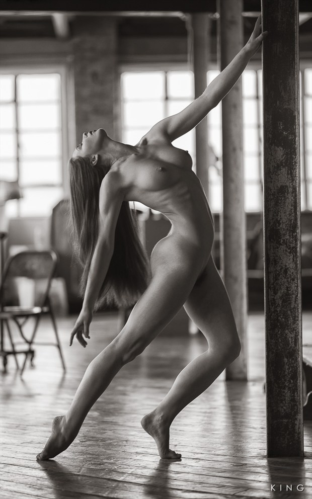 Limber Artistic Nude Photo by Photographer Terry King