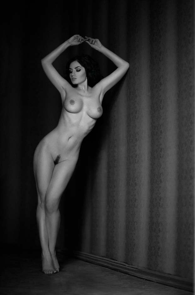 Lines Artistic Nude Photo by Photographer OSV