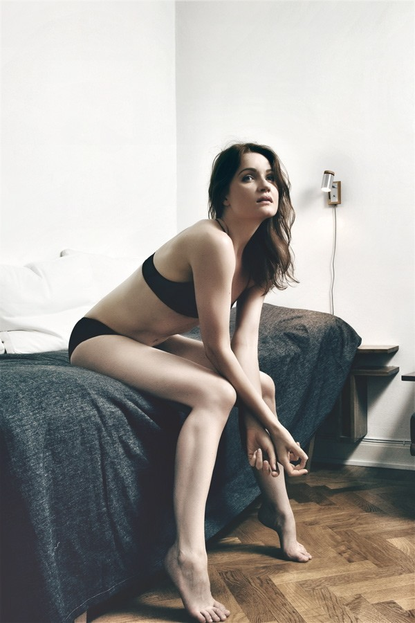 Lingerie Erotic Photo by Model Ine