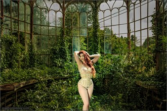 Lingerie Nature Photo by Model Roswell Ivory