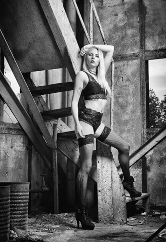 Lingerie Pinup Photo by Photographer Andy Fiechtner