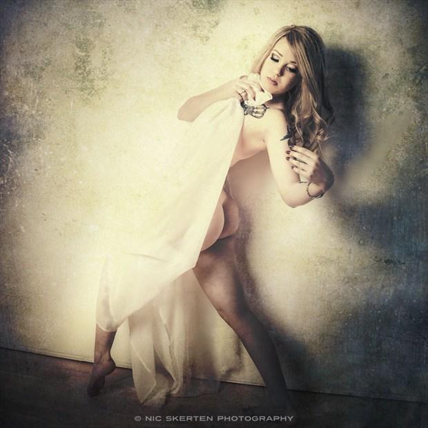 Liz   Studio II Artistic Nude Photo by Photographer nicnic