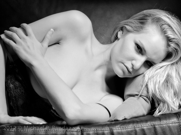Liz in Black. Glamour Photo by Photographer PhotoGuyMike
