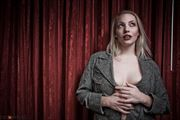 Liz in Vegas Sensual Photo by Photographer NIKONCAMERACT