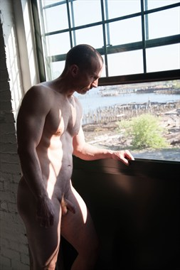 Looking Artistic Nude Photo by Model Ben