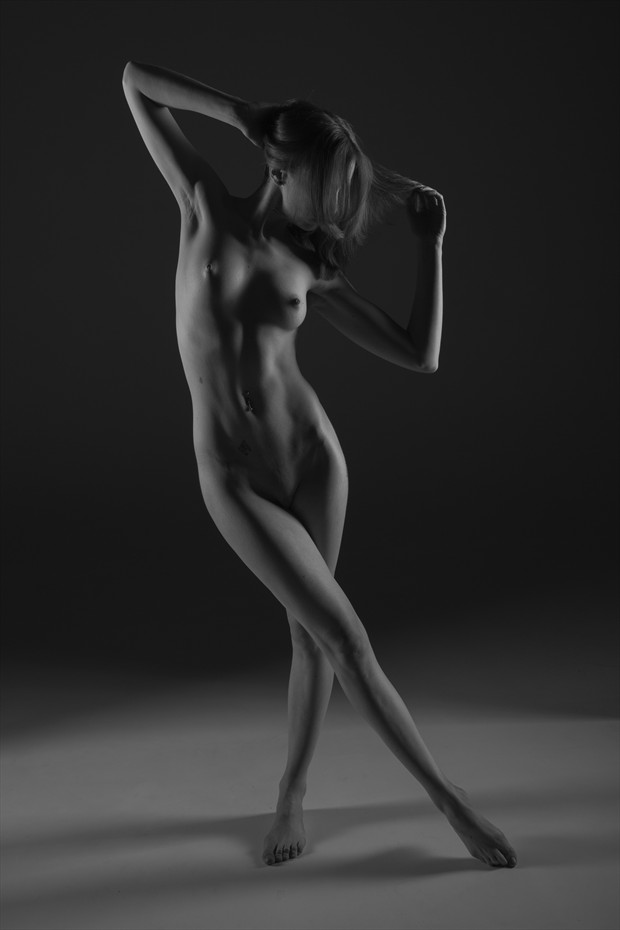 Lottie21 Artistic Nude Photo by Photographer MadDawg Photographer