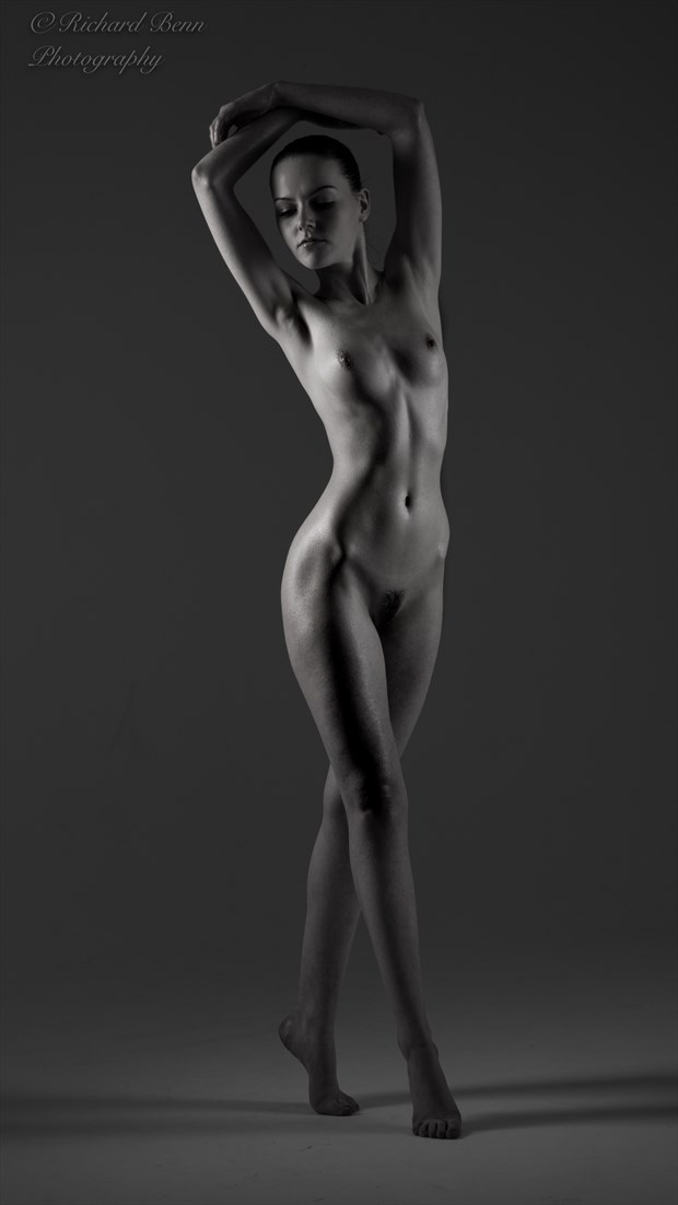 Low key nude Artistic Nude Photo by Photographer Richard Benn Photography