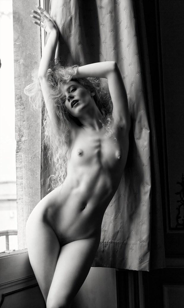 Lulu Artistic Nude Photo by Photographer BenErnst