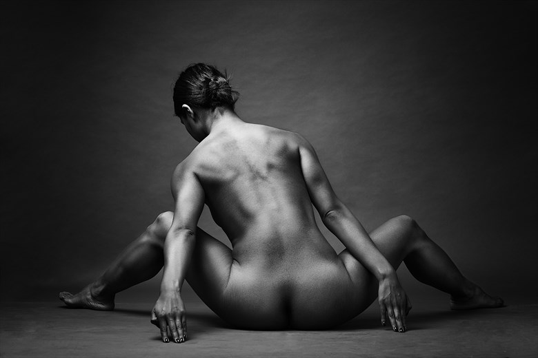 Luz y sombra Artistic Nude Photo by Photographer jose luis guiulfo