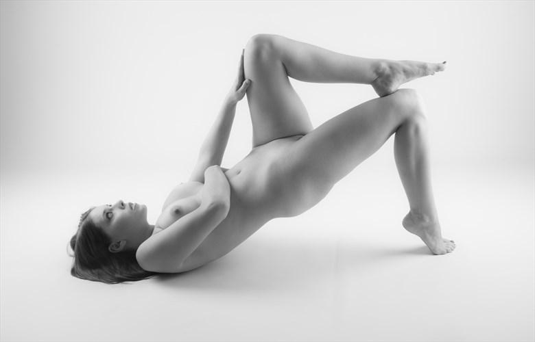 M studio II Artistic Nude Photo by Photographer Allan Taylor