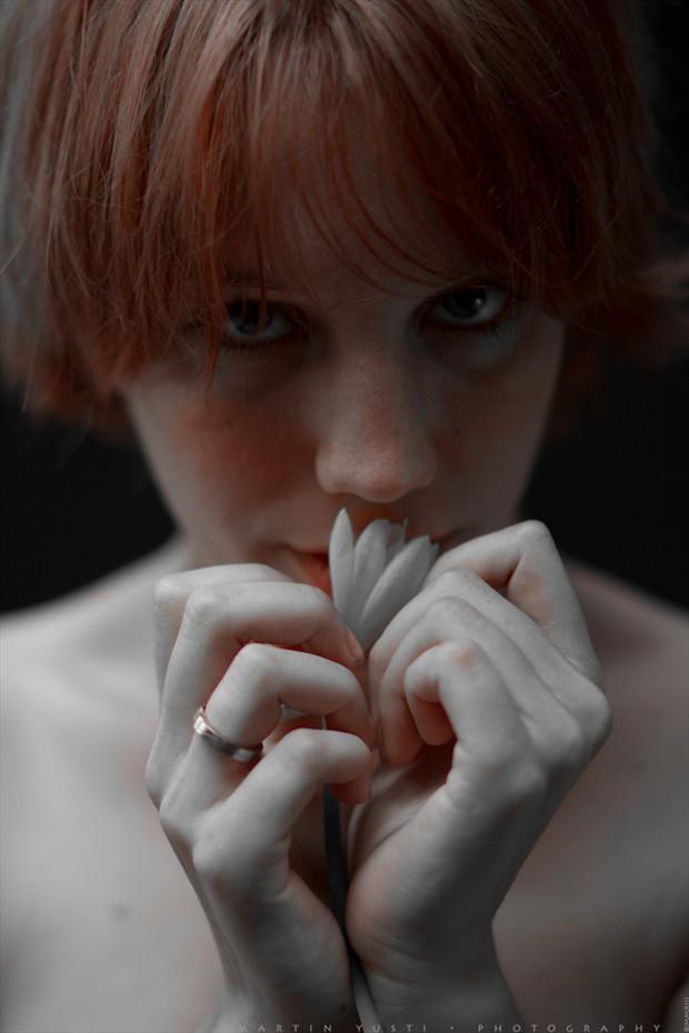 Maika 5 Sensual Photo by Photographer Martin Yusti