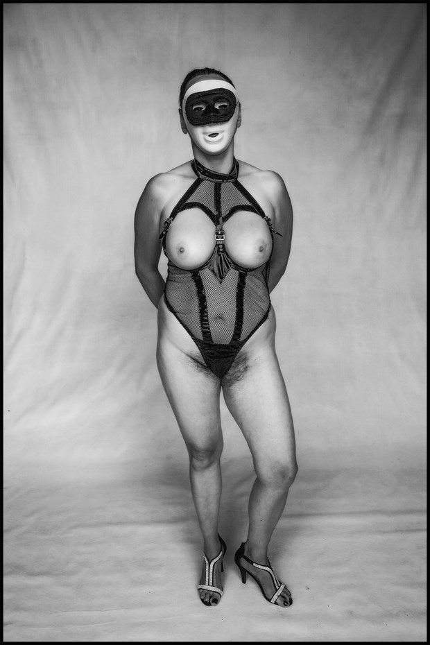 Masked sub! Artistic Nude Photo by Photographer MHMSchreiber.photo