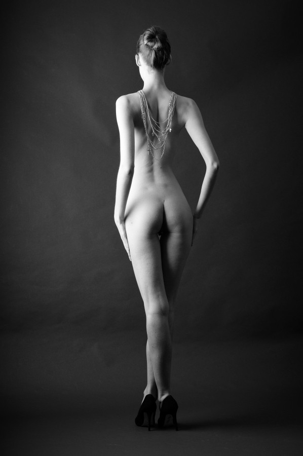 Mel Artistic Nude Photo by Photographer AndyD10