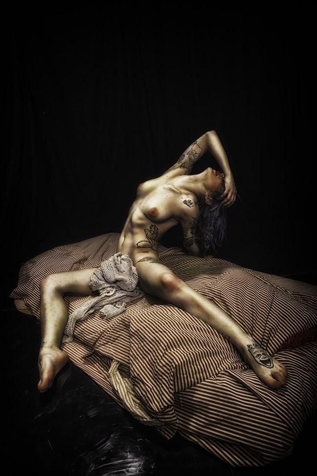 Miele Implied Nude Photo by Photographer riccardo mari