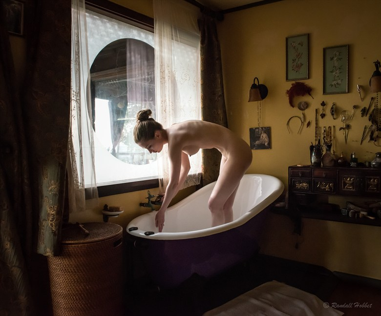 Milady's Bath Artistic Nude Photo by Photographer Randall Hobbet